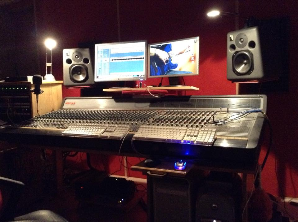 boutonne rouge studio 6
